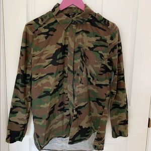 """Forever21 """" I Don't Play Nice"""" Camouflage Flannel"""